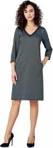 Granatowa sukienka POTIS & VERSO z dekoltem w kształcie litery v oversize z długim rękawem