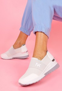 Buty sportowe Casu z zamszu na platformie