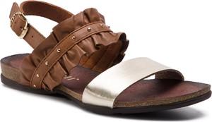Brązowe sandały Carinii w stylu casual ze skóry