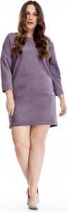 Fioletowa sukienka TAGLESS mini z zamszu dla puszystych