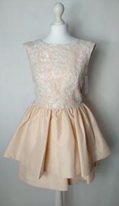 Sukienka Modello