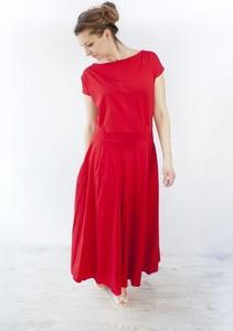 Czerwona sukienka Meleksima maxi z dzianiny rozkloszowana