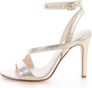 Srebrne sandały Prima Moda z klamrami w stylu casual na wysokim obcasie