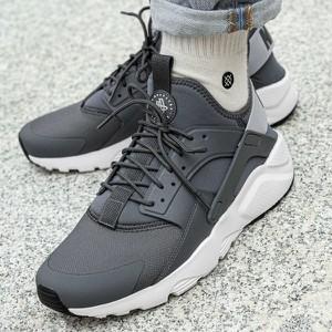 Brązowe buty sportowe Nike huarache sznurowane