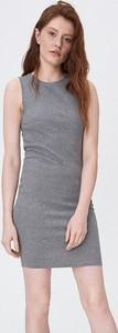 Sukienka Sinsay bez rękawów z okrągłym dekoltem
