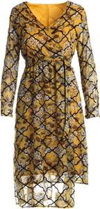 Żółta sukienka Multu midi z dekoltem w kształcie litery v
