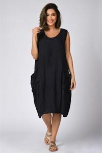 Czarna sukienka Plus Size Company na ramiączkach bombka z okrągłym dekoltem