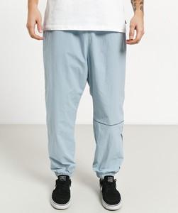 Niebieskie spodnie sportowe Nike