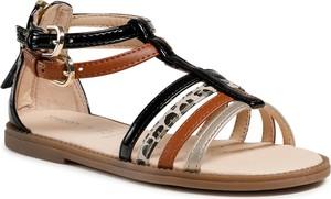 Brązowe buty dziecięce letnie Geox z klamrami dla dziewczynek