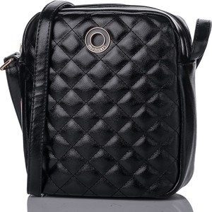 Czarna torebka Monnari na ramię pikowana