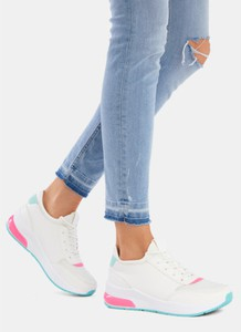 Buty sportowe DeeZee w młodzieżowym stylu z płaską podeszwą sznurowane
