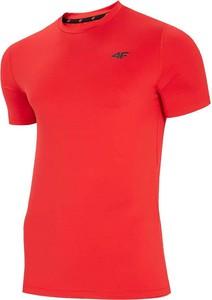 Czerwony t-shirt 4F w sportowym stylu