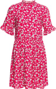 Różowa sukienka bonprix RAINBOW midi w stylu casual z krótkim rękawem