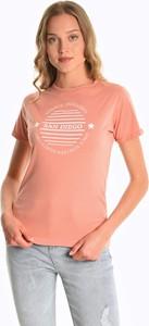 Różowy t-shirt Gate z bawełny