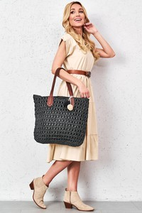 Czarna torebka Esclusivo.pl w wakacyjnym stylu na ramię duża