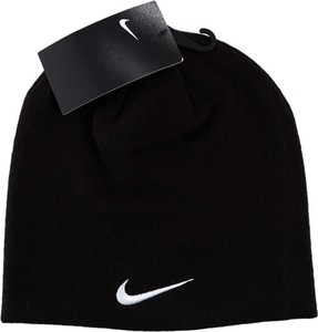 Czarna czapka Nike w sportowym stylu