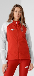 Czerwona kurtka 4F w sportowym stylu