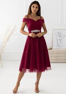 Czerwona sukienka Latika z krótkim rękawem