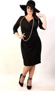 Czarna sukienka Oscar Fashion dopasowana z długim rękawem z dekoltem w kształcie litery v