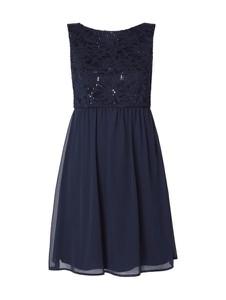 Niebieska sukienka Marie Blanc w stylu glamour mini bez rękawów