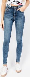 Granatowe jeansy Olika z jeansu