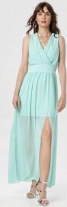 Sukienka born2be z dekoltem w kształcie litery v bez rękawów