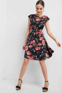 Sukienka ORSAY mini z tkaniny bez rękawów