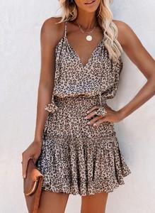 Sukienka Cikelly z dekoltem w kształcie litery v w stylu casual na ramiączkach