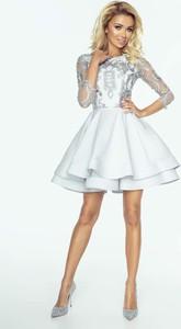 de63c72998 ... Elegancka wieczorowa sukienka z gipiury. Sukienka Imesia z długim  rękawem midi z okrągłym dekoltem