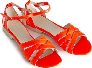 Czerwone sandały Zapato z klamrami