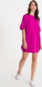 Sukienka Studio Erer w sportowym stylu oversize midi