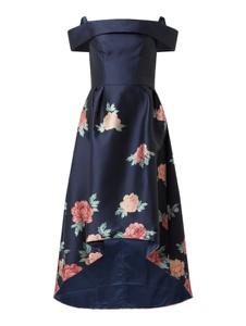 Sukienka Chi Chi London z krótkim rękawem z odkrytymi ramionami