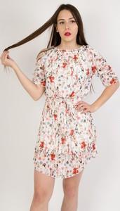 Sukienka Olika z odkrytymi ramionami mini