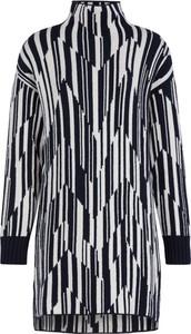 Sukienka Sportmax Code z golfem oversize w stylu casual