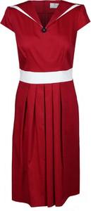 Czerwona sukienka Fokus rozkloszowana z krótkim rękawem