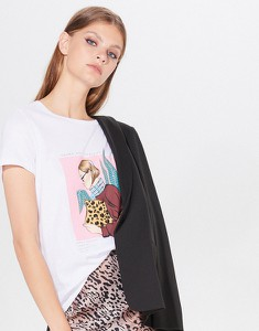 T-shirt Mohito w młodzieżowym stylu z krótkim rękawem z okrągłym dekoltem
