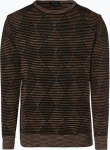 Złoty sweter Carlo Colucci w młodzieżowym stylu