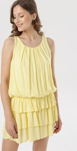 Żółta sukienka born2be mini bez rękawów w stylu casual