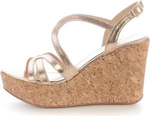 Złote sandały Prima Moda na średnim obcasie ze skóry z klamrami
