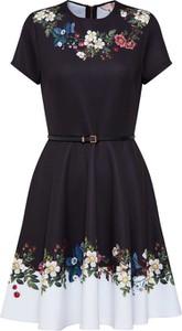 Czarna sukienka Ted Baker z okrągłym dekoltem z krótkim rękawem