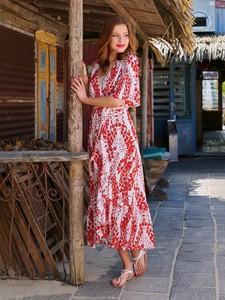 Czerwona sukienka Smashed Lemon maxi z długim rękawem z szyfonu