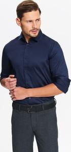 Granatowa koszula Top Secret z klasycznym kołnierzykiem z długim rękawem z tkaniny