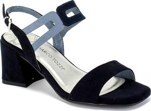 Granatowe sandały Marco Tozzi na średnim obcasie