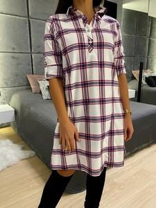 Sukienka ModnaKiecka.pl w stylu casual koszulowa