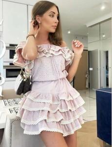 Różowa sukienka Yasmin Boutique hiszpanka w stylu boho mini