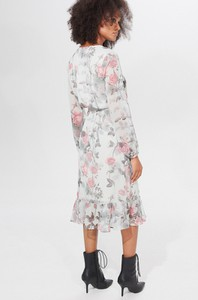 Sukienka Mohito z długim rękawem z dekoltem w kształcie litery v midi