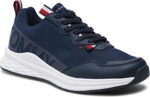 Granatowe buty sportowe Tommy Hilfiger sznurowane z płaską podeszwą