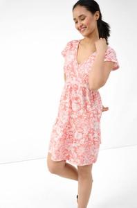 Różowa sukienka ORSAY z bawełny z krótkim rękawem z dekoltem w kształcie litery v