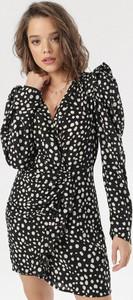 Sukienka born2be z długim rękawem z dekoltem w kształcie litery v mini