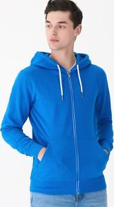 Niebieska bluza House w młodzieżowym stylu